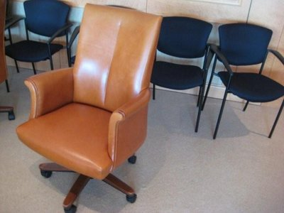 Ordinaire Bernhardt Camel Leather Conference Chairs