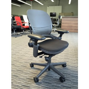 steelcase_leap_hybrid PAL145 A