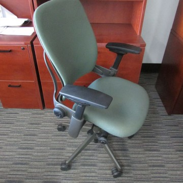 Steelcase Leap Chair V2 (Olive Tone)