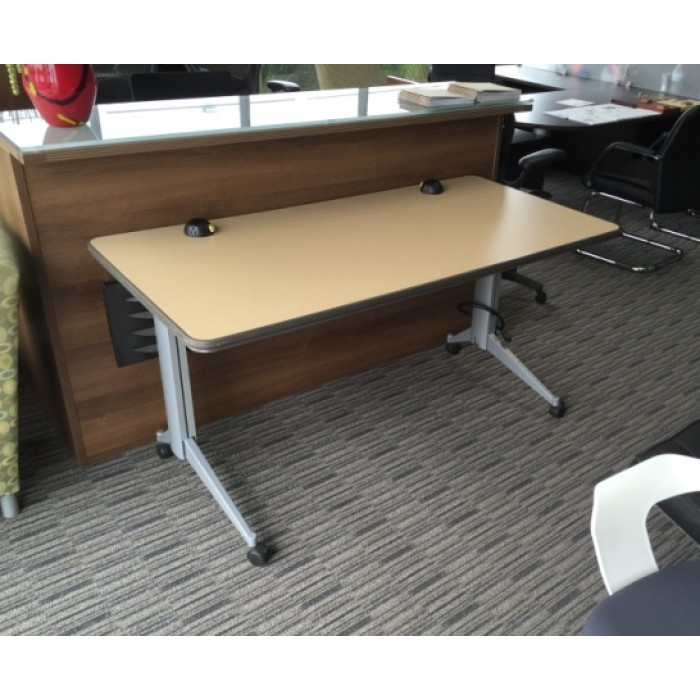 Versteel Training Tables