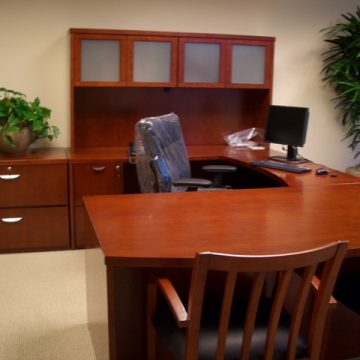 Low-Cost, Lightly-Used Desk Sets and Suites